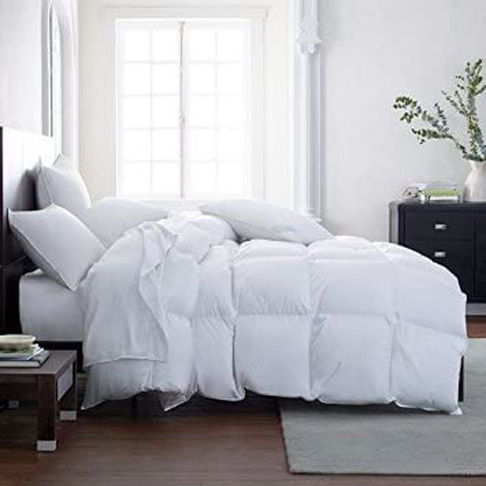 5. Lavish Comforts Hotel Luxury Comforter (King) -Preferred