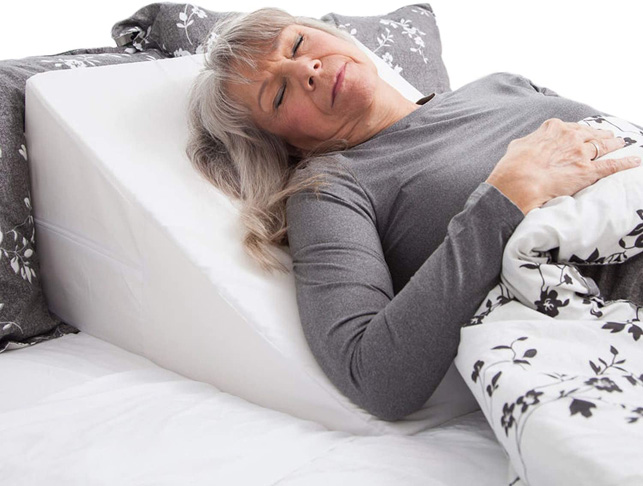 1. HealthSmart DMI Wedge Pillow with Removable Cover White